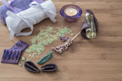 温泉概念 花,蜡烛,芳香盐, 库存图片