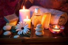 温泉蜡烛石头油肥皂 免版税库存图片