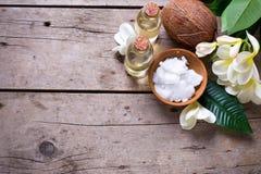 温泉设置用椰子 库存照片