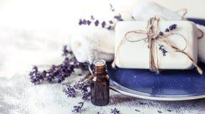 温泉静物画用淡紫色 免版税图库摄影