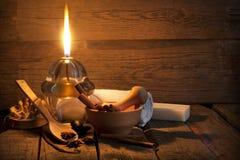 温泉aromatherapy葡萄酒静物画 免版税图库摄影