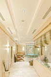 温泉iSpa内部在一家现代旅馆里 免版税库存照片