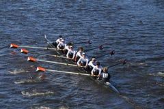 温特帕克乘员组在头赛跑查尔斯赛船会人` s青年时期八 免版税库存照片