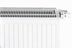 温箱被关闭对节省能量 在公寓的白色幅射器 免版税库存图片