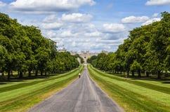 温莎城堡和长的步行 免版税库存照片
