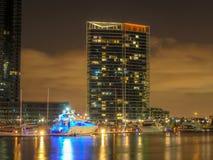 港区在晚上 免版税库存图片