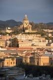 港口前面大厦墨西拿西西里岛 库存图片
