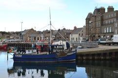 港口和近海捕渔舰队在柯克沃尔,大陆海岛,奥克尼苏格兰 免版税库存照片