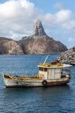 港口和Pico小山费尔南多・迪诺罗尼亚群岛巴西 库存照片