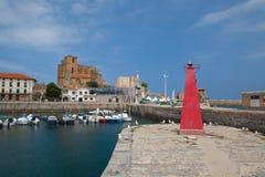 港口在卡斯特罗-乌尔迪亚莱斯,西班牙 图库摄影