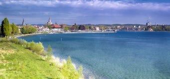 港口在从克罗伊茨林根的城市Constance Constance是大学城市位于在博登湖的西边 免版税库存照片