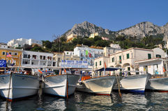 港口在Capri,意大利 免版税库存照片