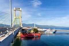 港口在Kota万鸦老市,印度尼西亚 免版税库存照片
