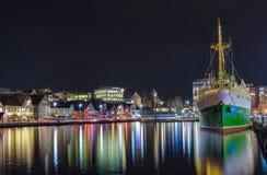 港口晚上斯塔万格 免版税库存照片