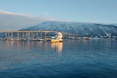 港口桥梁在特罗姆瑟,挪威 免版税图库摄影