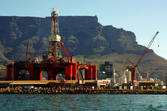 港口海洋石油修理船具 免版税库存图片