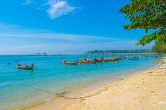 港口海滩thailan普吉岛的海岛 库存照片