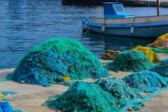 港口萨莫斯岛海岛希腊渔网  免版税库存图片