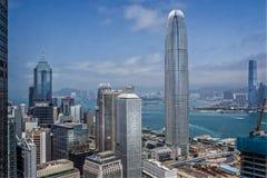 港岛skyscrappers鸟瞰图看对九龙的 免版税库存图片