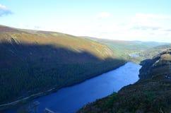 港湾Beagh湖, Glenveagh国家公园山景城在爱尔兰 库存照片