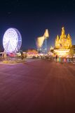 游乐园和寺庙在Tibidabo 免版税库存图片