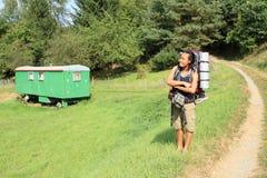 游人乘有蓬卡车 免版税库存照片