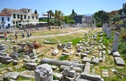 游人在古老罗马市场Monastiraki雅典希腊上 库存照片