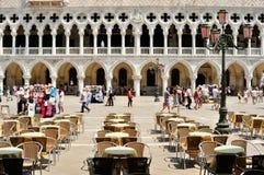 游人在圣马可广场,威尼斯 免版税图库摄影