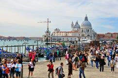 游人在威尼斯 免版税库存照片