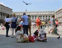 游人在威尼斯 图库摄影