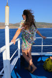 游人在巡航旅行-希腊享用 免版税图库摄影
