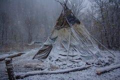 游人在帐篷居住 库存照片