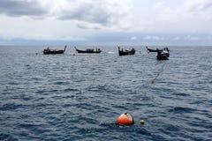 游人在潜航的站点, Hinson海岛, Tarutao分流了 库存图片