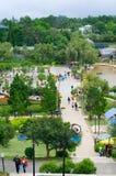 游人在花公园在大叻,越南 库存照片