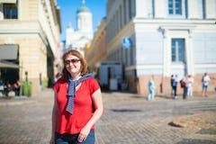 游人在赫尔辛基,芬兰 库存图片