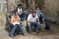 游人在赫库兰尼姆 免版税图库摄影