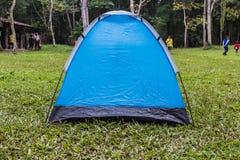 游人帐篷公园 库存照片