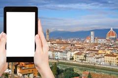 游人拍摄佛罗伦萨市地平线  库存图片