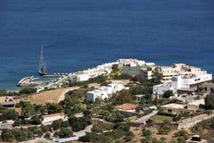 游人的假日复合体Elounda的,克利特,希腊 免版税库存图片