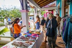 游人的市场在古巴告诉了Pueblo 免版税库存图片