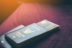 游人的泰国个人护照去日本 准备日语 库存图片