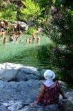 游泳在河 免版税库存图片