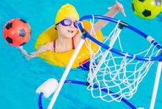 游泳场乐趣时间 免版税图库摄影