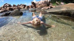 游泳场的妇女 影视素材