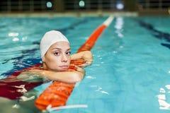 游泳女孩 免版税库存图片