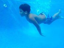 游泳是乐趣!!!! 免版税库存照片