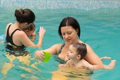 游泳池乐趣 库存照片
