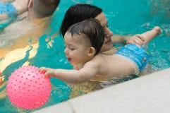 游泳池乐趣 图库摄影