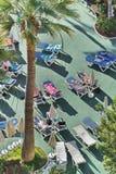 游泳池在一家旅馆里在Los Cristianos城市 特内里费岛 加那利群岛西班牙 图库摄影