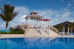 游泳池在旅馆Gaviota Cayo圣玛丽亚里 古巴 图库摄影